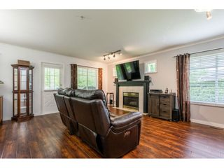 """Photo 7: 12 20761 TELEGRAPH Trail in Langley: Walnut Grove Townhouse for sale in """"Woodbridge"""" : MLS®# R2456523"""