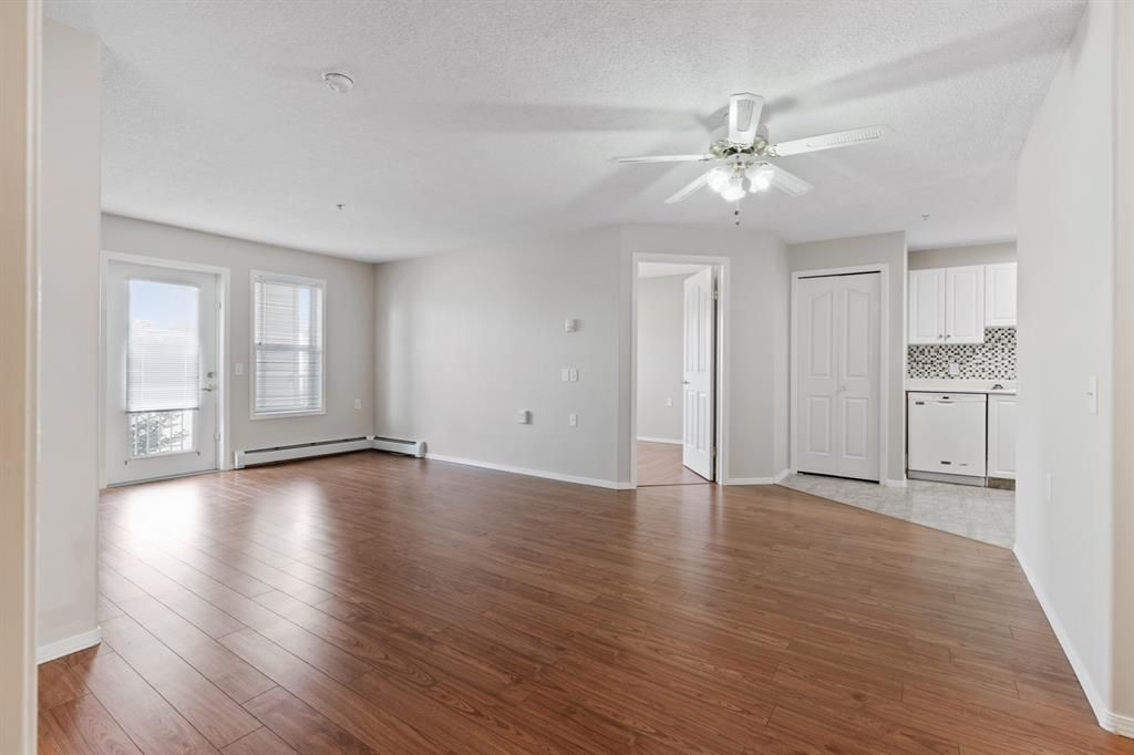 Photo 3: Photos: 205 5000 Somervale Court SW in Calgary: Somerset Apartment for sale : MLS®# A1101602