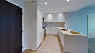 """Photo 17: 908 118 CARRIE CATES Court in North Vancouver: Lower Lonsdale Condo for sale in """"PROMENADE"""" : MLS®# R2529974"""
