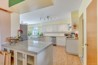 Photo 5: 7796 ROSEWOOD Street in Burnaby: Burnaby Lake House for sale (Burnaby South)  : MLS®# R2163744