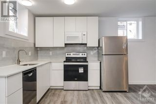 Photo 2: 842 MAPLEWOOD AVENUE in Ottawa: House for rent : MLS®# 1265782