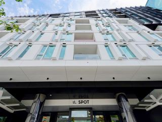 """Photo 1: 615 2888 CAMBIE Street in Vancouver: Mount Pleasant VW Condo for sale in """"THE SPOT"""" (Vancouver West)  : MLS®# R2518877"""