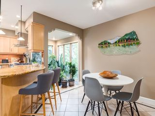 Photo 14: 2002 PUMP HILL Way SW in Calgary: Pump Hill Detached for sale : MLS®# C4204077