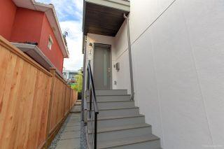 Photo 5: 481 E 16TH Avenue in Vancouver: Mount Pleasant VE 1/2 Duplex for sale (Vancouver East)  : MLS®# R2354193