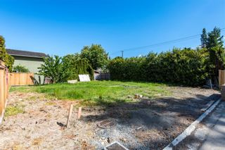 Photo 2: 6753 Marisa Crt in : CS Keating House for sale (Central Saanich)  : MLS®# 875575