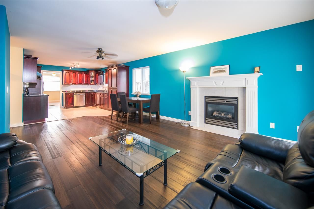 Photo 6: Photos: 2403 DAWES HILL Road in Coquitlam: Coquitlam East House for sale : MLS®# R2197337