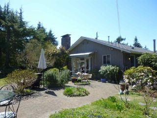 Photo 4: 6434 SAMRON Road in Sechelt: Sechelt District House for sale (Sunshine Coast)  : MLS®# R2567350
