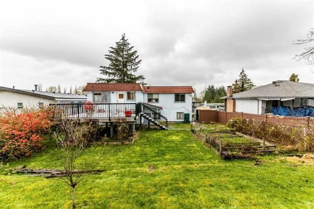 Photo 3: Photos: 7952 BURNFIELD Crescent in BURNABY: Burnaby Lake House for sale (Burnaby South)  : MLS®# R2357073