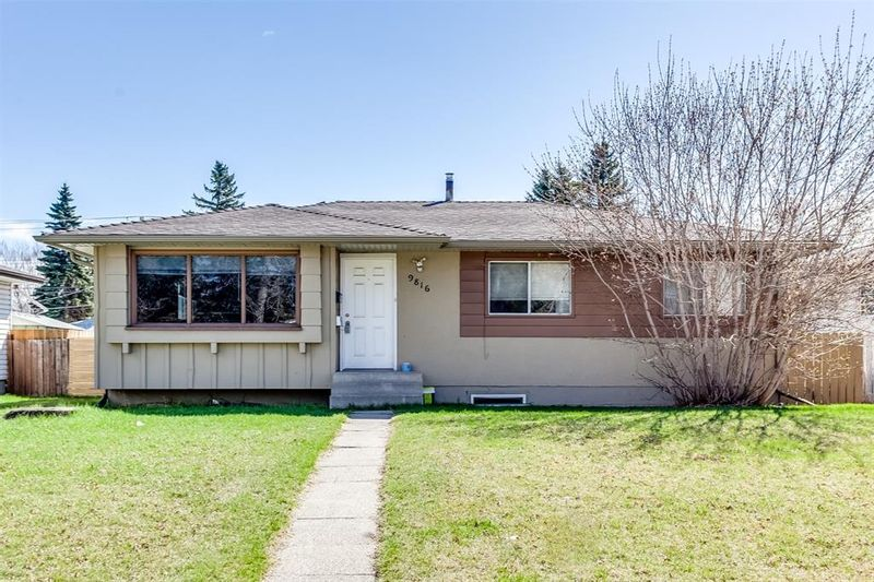 FEATURED LISTING: 9816 Fairmount Drive Southeast Calgary