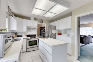 """Photo 11: 1431 SMITH Avenue in Coquitlam: Central Coquitlam House for sale in """"CENTRAL COQUITLAM"""" : MLS®# R2319840"""