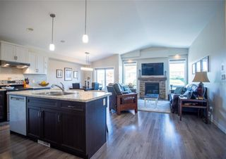 Photo 3: 201 Ravensden Drive in Winnipeg: River Park South Residential for sale (2F)  : MLS®# 202022749