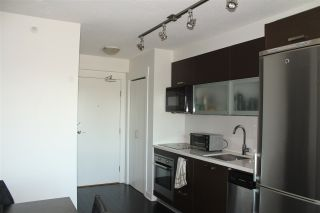 """Photo 11: 1812 10777 UNIVERSITY Drive in Surrey: Whalley Condo for sale in """"City Point"""" (North Surrey)  : MLS®# R2182204"""