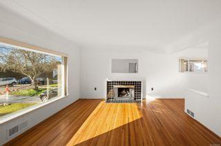 Photo 2: 2032 Allenby St in : OB Henderson House for sale (Oak Bay)  : MLS®# 864288