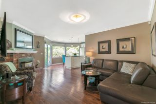 """Photo 3: 12379 SOUTHPARK Crescent in Surrey: Panorama Ridge House for sale in """"Boundary Park"""" : MLS®# R2306272"""
