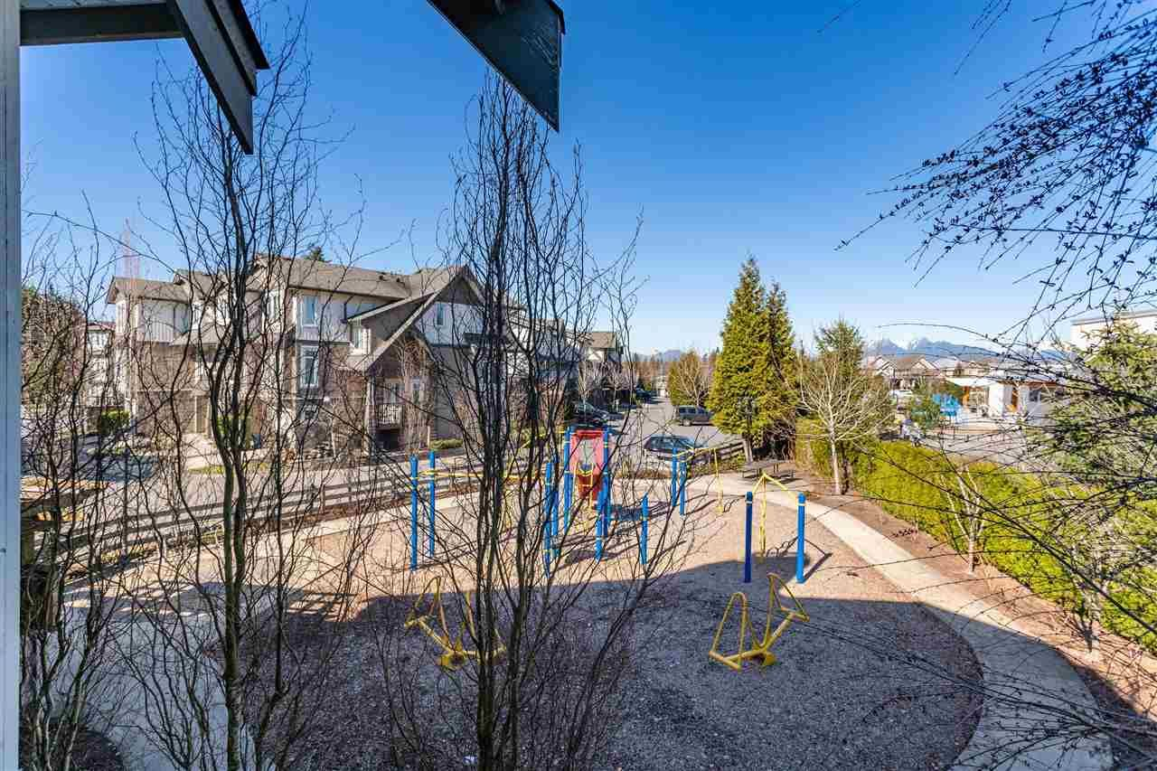 "Photo 18: Photos: 21 8250 209B Street in Langley: Willoughby Heights Townhouse for sale in ""Outlook"" : MLS®# R2352663"