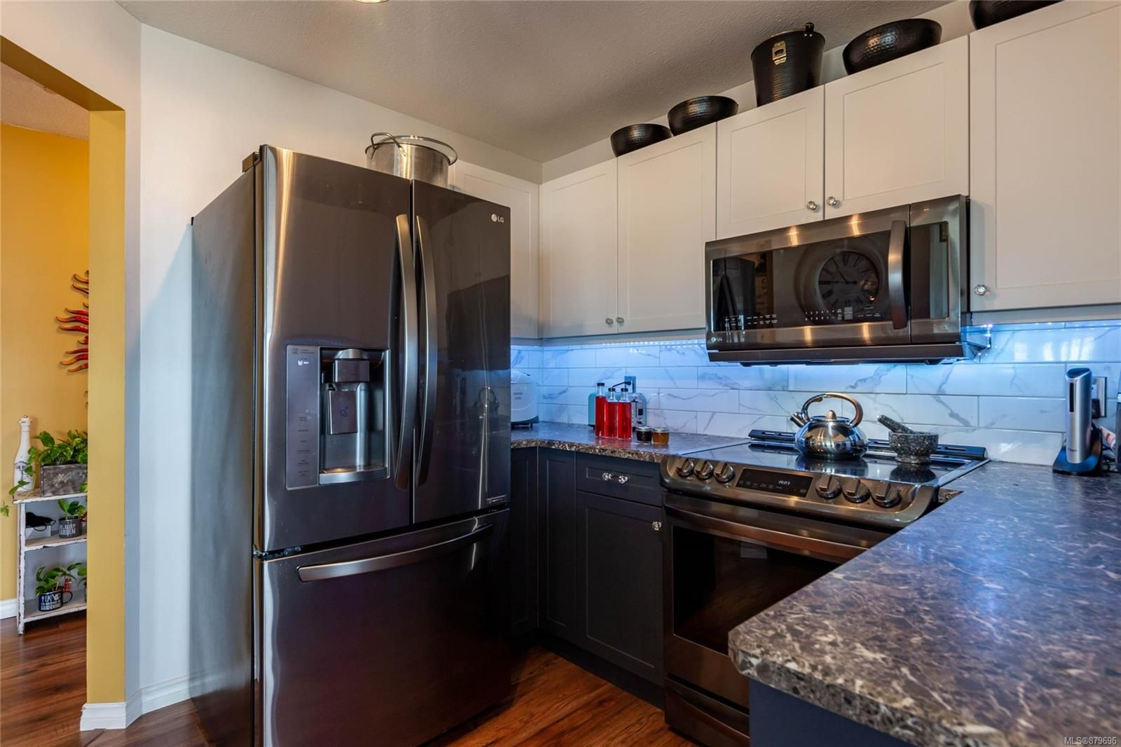 Photo 7: Photos: 219 390 S Island Hwy in : CR Campbell River West Condo for sale (Campbell River)  : MLS®# 879696