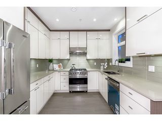 """Photo 5: 37 E 13TH Avenue in Vancouver: Mount Pleasant VE Townhouse for sale in """"Main St Area"""" (Vancouver East)  : MLS®# V1071232"""