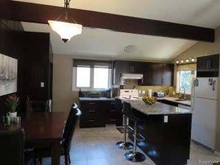 Photo 3: 423 Armstrong Avenue in Winnipeg: Margaret Park Residential for sale (4D)  : MLS®# 1711127