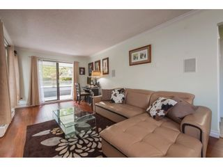 """Photo 2: 104 1341 GEORGE Street: White Rock Condo for sale in """"Oceanview"""" (South Surrey White Rock)  : MLS®# R2372643"""