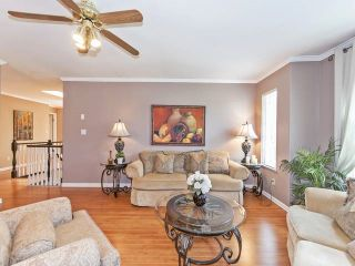 Photo 3: Coquitlam: Condo for sale : MLS®# R2075039