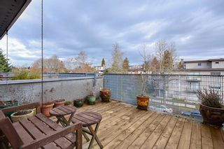 Photo 1: 392 E 15TH Avenue in Vancouver: Mount Pleasant VE Townhouse for sale (Vancouver East)  : MLS®# R2349680