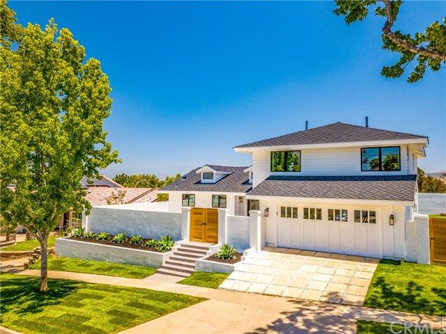 Main Photo: 2854 Alta Vista Drive in Newport Beach: Residential for sale (NV - East Bluff - Harbor View)  : MLS®# OC19161114