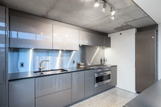 """Photo 8: PH610 1540 W 2ND Avenue in Vancouver: False Creek Condo for sale in """"The Waterfall Building"""" (Vancouver West)  : MLS®# R2580752"""