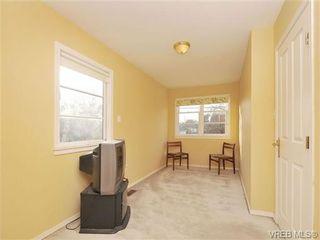 Photo 12: B 1601 Haultain St in VICTORIA: Vi Oaklands Half Duplex for sale (Victoria)  : MLS®# 690016