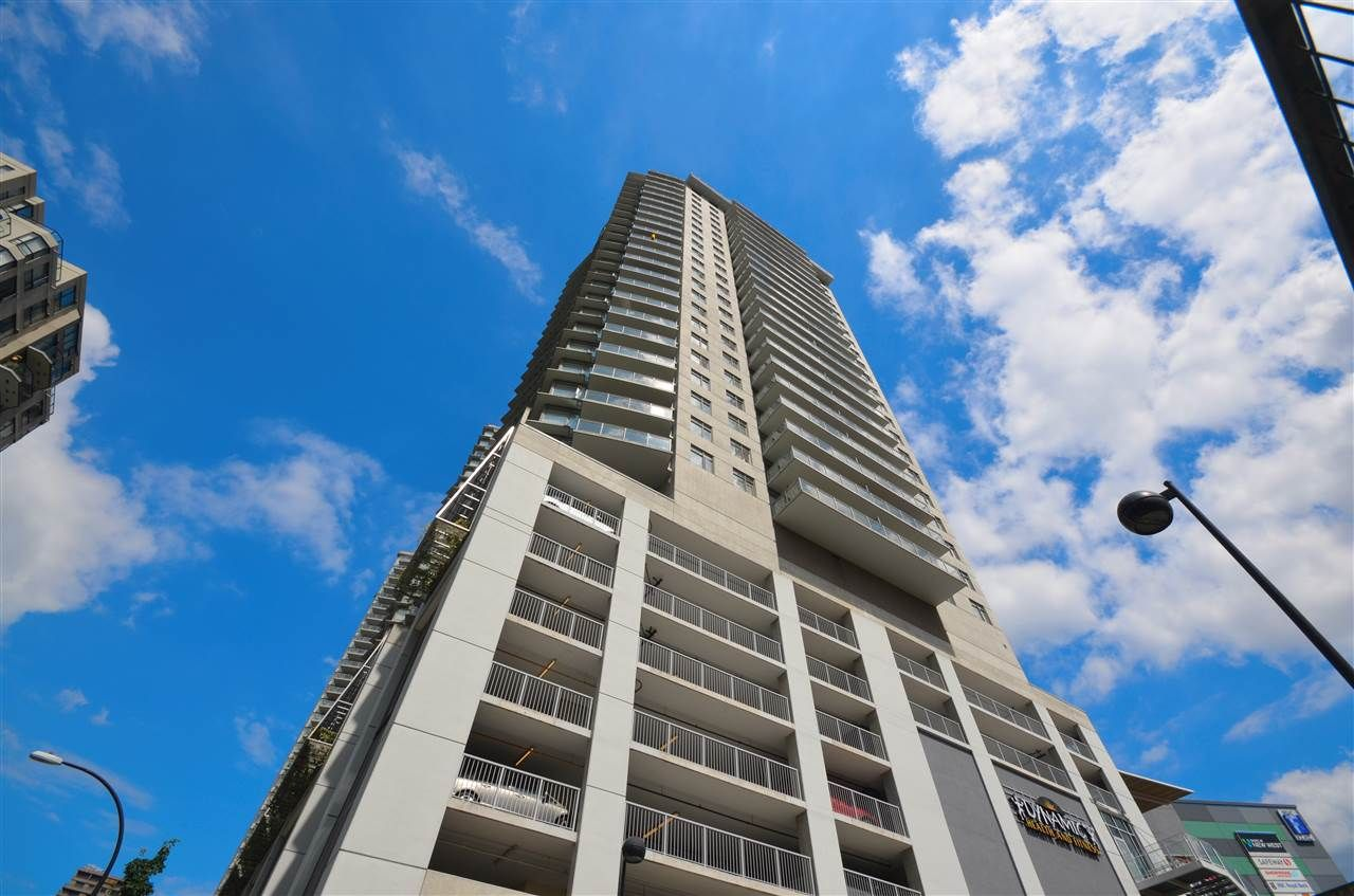 """Main Photo: 2002 898 CARNARVON Street in New Westminster: Downtown NW Condo for sale in """"AZURE 1"""" : MLS®# R2089521"""