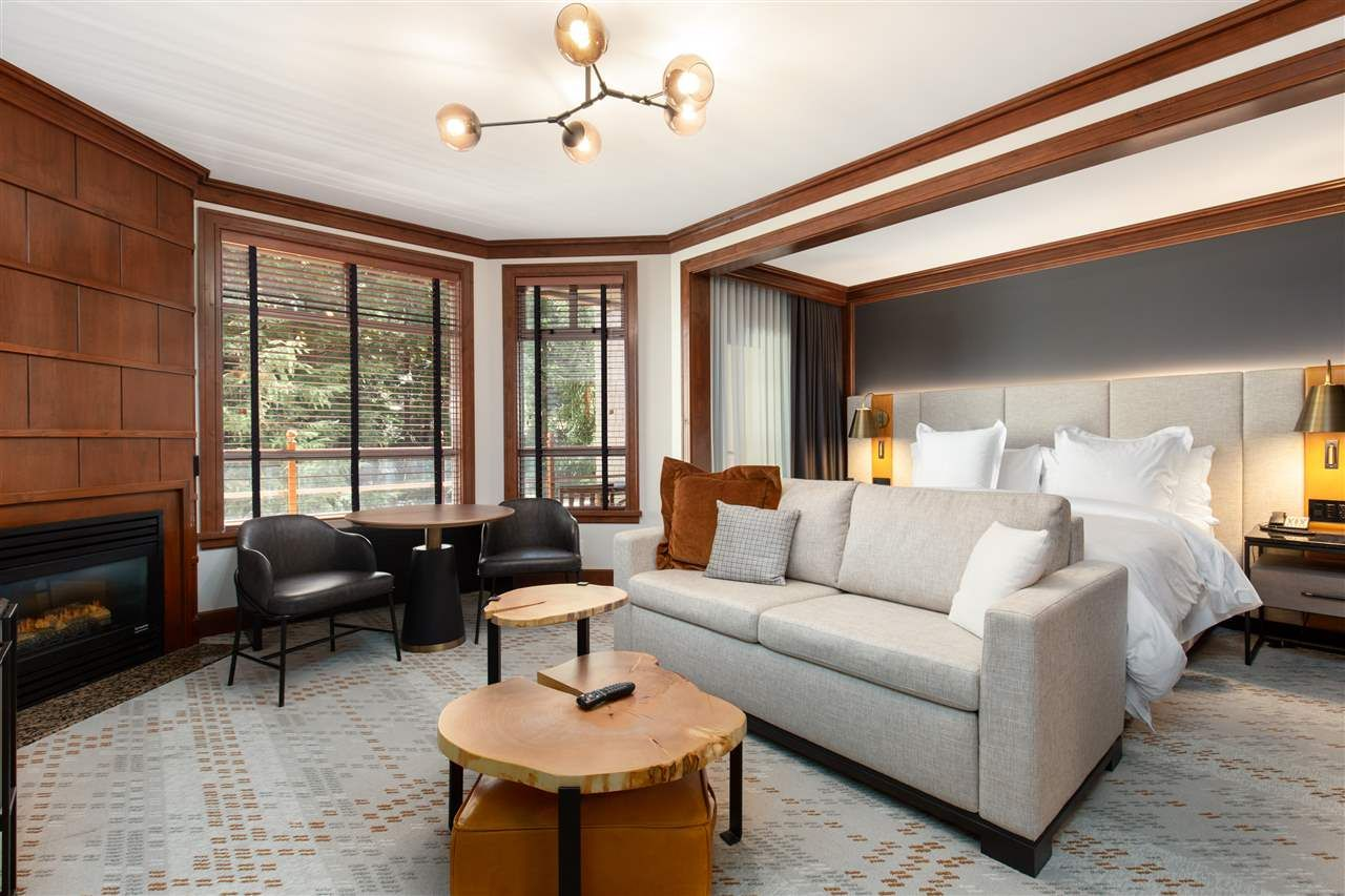 """Main Photo: 321 4591 BLACKCOMB Way in Whistler: Benchlands Condo for sale in """"FOUR SEASONS"""" : MLS®# R2571639"""