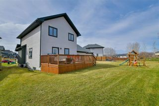Photo 2: 19 WYNDHAM Court in Niverville: Fifth Avenue Estates Residential for sale (R07)  : MLS®# 202009483