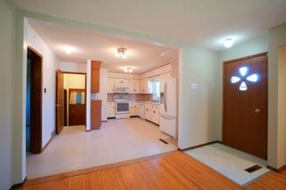 Photo 6: 82 Grafton St in Macgregor: House for sale : MLS®# 202123024