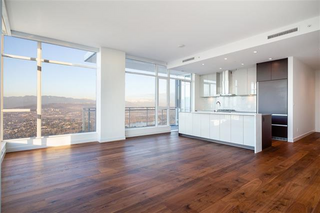 Photo 2: 5505 4670 Assembly Way in Burnaby: Metrotown Condo for sale (Burnaby South)