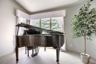 Photo 5: 14308 Shawnee Bay SW in Calgary: Shawnee Slopes Detached for sale : MLS®# A1039173