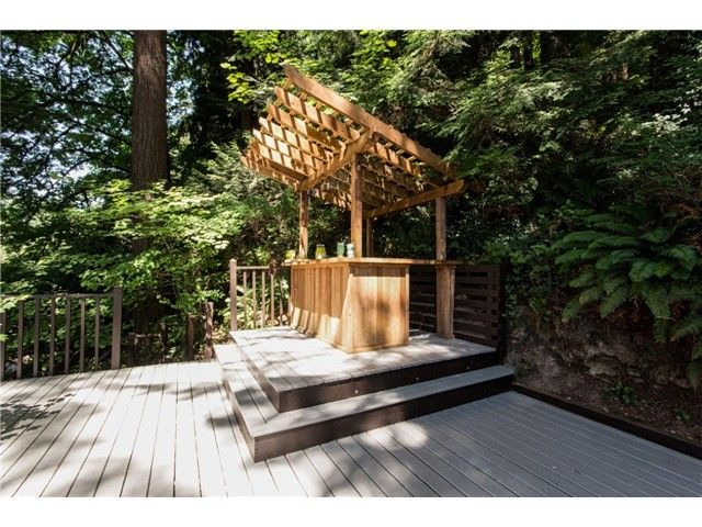 """Photo 20: Photos: 1810 RIVERSIDE Drive in North Vancouver: Seymour House for sale in """"RIVERSIDE"""" : MLS®# V1130790"""