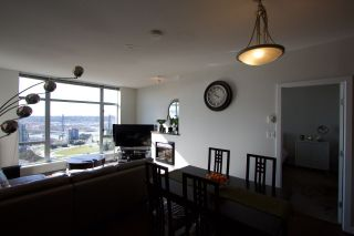"""Photo 22: 2005 280 ROSS Drive in New Westminster: Fraserview NW Condo for sale in """"THE CARLYLE ON VICTORIA HILL"""" : MLS®# R2563720"""