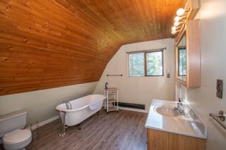 Photo 13: 420 HUDSON BAY MOUNTAIN Road in Smithers: Smithers - Rural House for sale (Smithers And Area (Zone 54))  : MLS®# R2611709