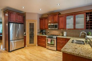 Photo 3: 1642 Westmount Boulevard NW in Calgary: Hillhurst Detached for sale : MLS®# A1138673
