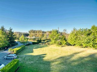 """Photo 2: 401 13680 84 Avenue in Surrey: Bear Creek Green Timbers Condo for sale in """"Trails at BearCreek"""" : MLS®# R2503908"""
