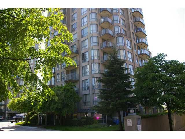 """Main Photo: 908 838 AGNES Street in New Westminster: Downtown NW Condo for sale in """"WESTMINSTER TOWER"""" : MLS®# V830069"""