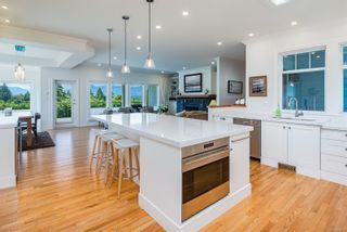 Photo 5: 875 View Ave in : CV Courtenay East House for sale (Comox Valley)  : MLS®# 884275