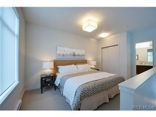 Photo 7: 402 601 Herald St in VICTORIA: Vi Downtown Condo for sale (Victoria)  : MLS®# 638675