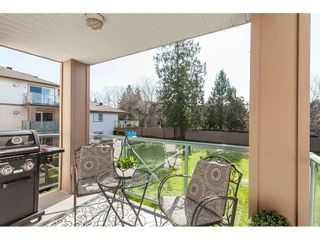 """Photo 4: 219 22150 48 Avenue in Langley: Murrayville Condo for sale in """"Eaglecrest"""" : MLS®# R2439305"""