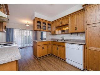 """Photo 3: 49 32959 GEORGE FERGUSON Way in Abbotsford: Central Abbotsford Townhouse for sale in """"Oakhurst"""" : MLS®# R2252811"""