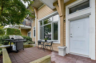Photo 1: 113 12350 Harris Road in Pitt Meadows: Mid Meadows Townhouse for sale : MLS®# R2123521