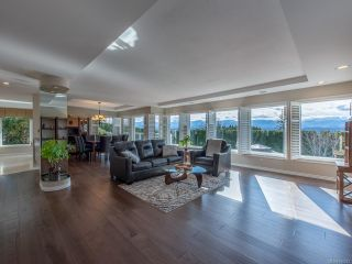 Photo 1: 1571 Trumpeter Cres in : CV Courtenay East House for sale (Comox Valley)  : MLS®# 862243