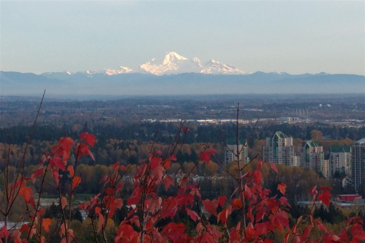 """Main Photo: 403 1438 PARKWAY Boulevard in Coquitlam: Westwood Plateau Condo for sale in """"THE MONTREAUX"""" : MLS®# R2405871"""
