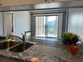 """Photo 12: 1406 1188 HOWE Street in Vancouver: Downtown VW Condo for sale in """"1188 HOWE"""" (Vancouver West)  : MLS®# R2600220"""