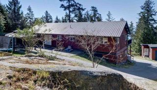 "Photo 7: 5918 SUNSHINE COAST Highway in Sechelt: Sechelt District House for sale in ""DOWNTOWN SECHELT"" (Sunshine Coast)  : MLS®# R2585676"