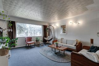 Photo 2: 4324 73 Street NW in Calgary: Bowness Detached for sale : MLS®# A1090341